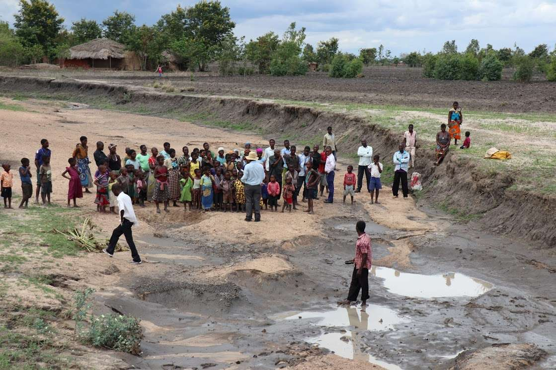 Village Meeting Called to Announce New Well Being Dug