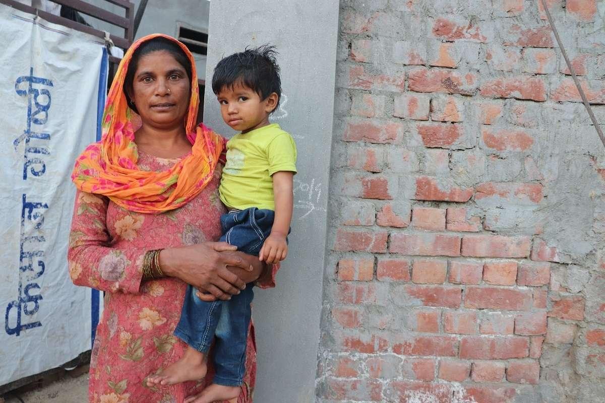 Image 6 Woman and Child Masudi Village